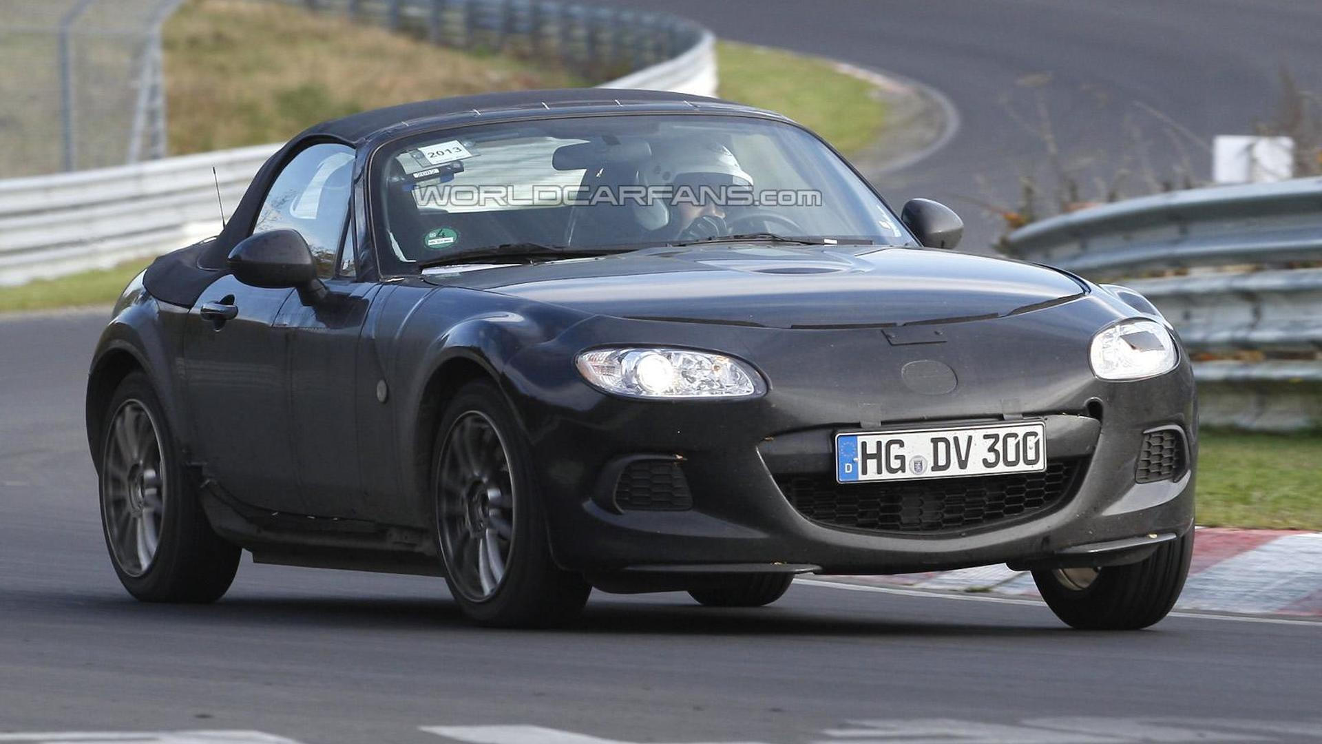2015 mazda mx 5 alfa romeo spider mule spied on the 39 ring. Black Bedroom Furniture Sets. Home Design Ideas