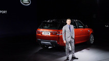 Daniel Craig reveals 2014 Range Rover Sport in New York