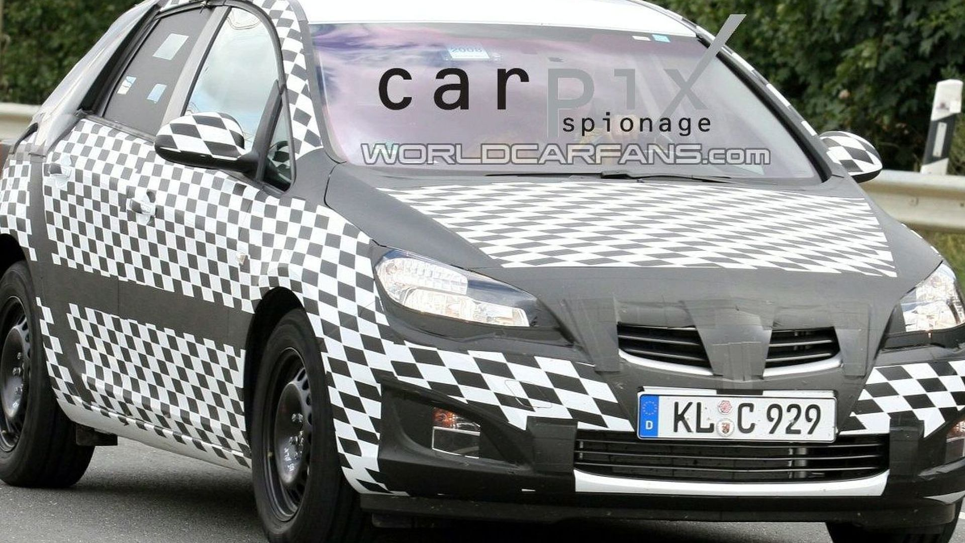 Opel Astra Prototype Spotted Once Again