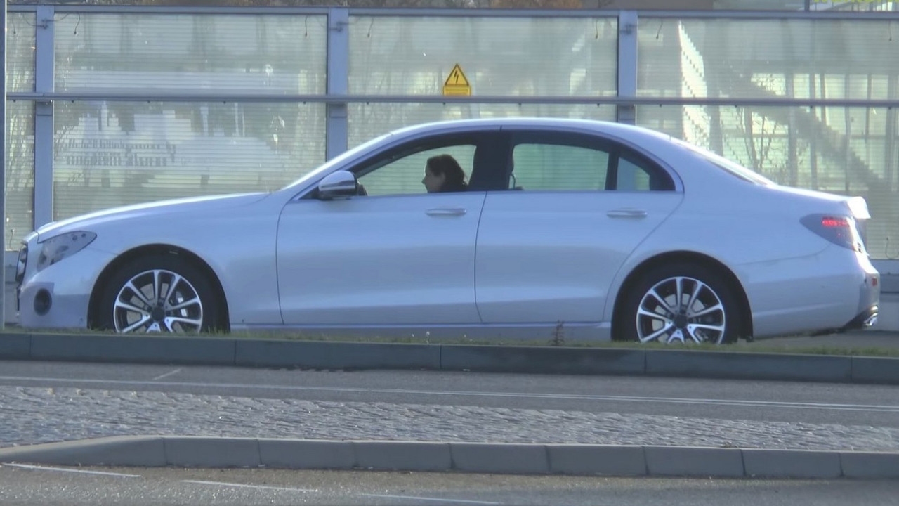 2016 Mercedes E-Class screenshot from spy video