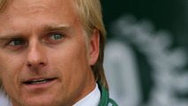 Kovalainen smiles at 'nice' 2011 Renault switch rumours