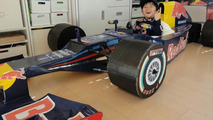 2012 Red Bull RB8 Formula 1 race car cardboard replica, 800, 25.02.2012