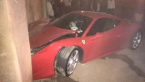 Ferrari 458 Italia driver crashes his car after fight with girlfriend