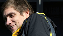Petrov staying at Renault for next two years