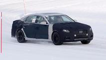 Next-gen Kia K900 spied for the first time