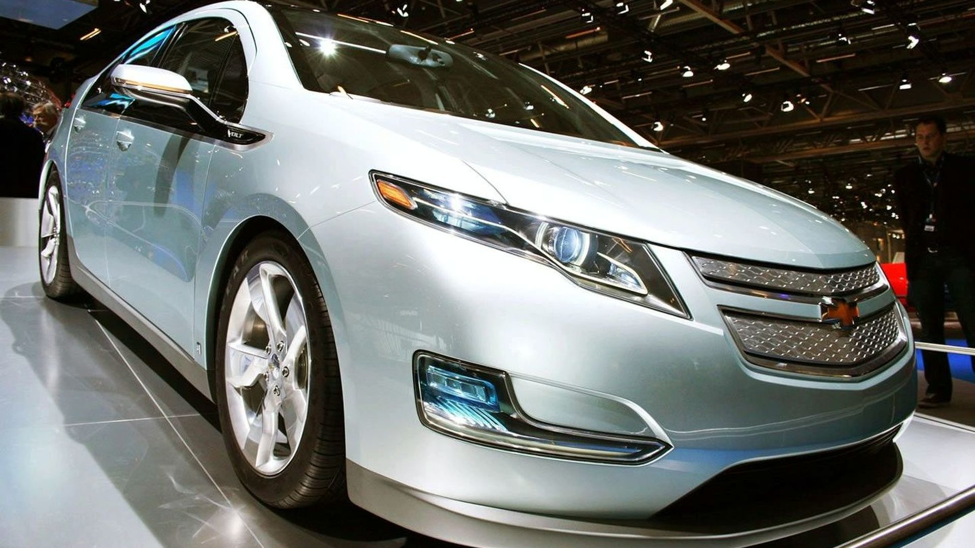 Wagoner Heading to Bailout Hearing in Chevy Volt Prototype