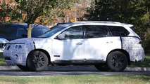 Nissan Pathfinder facelift spy photo