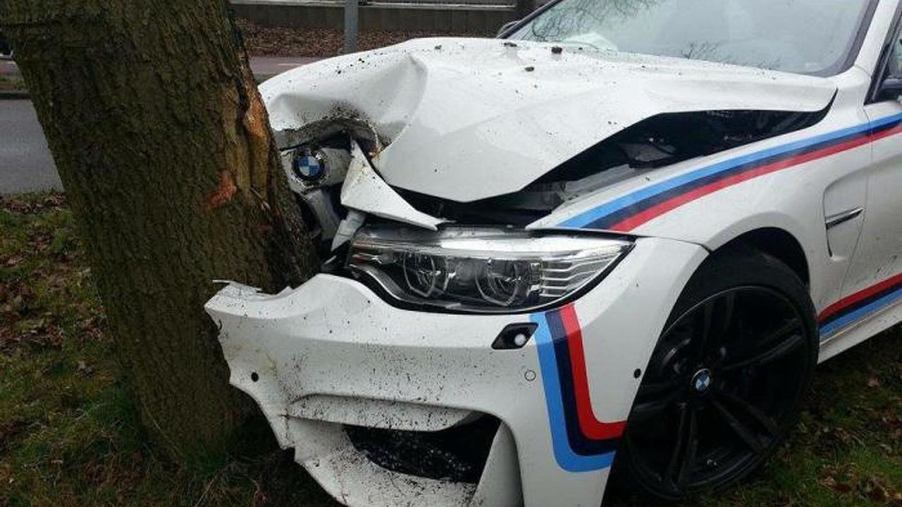 BMW M4 crash
