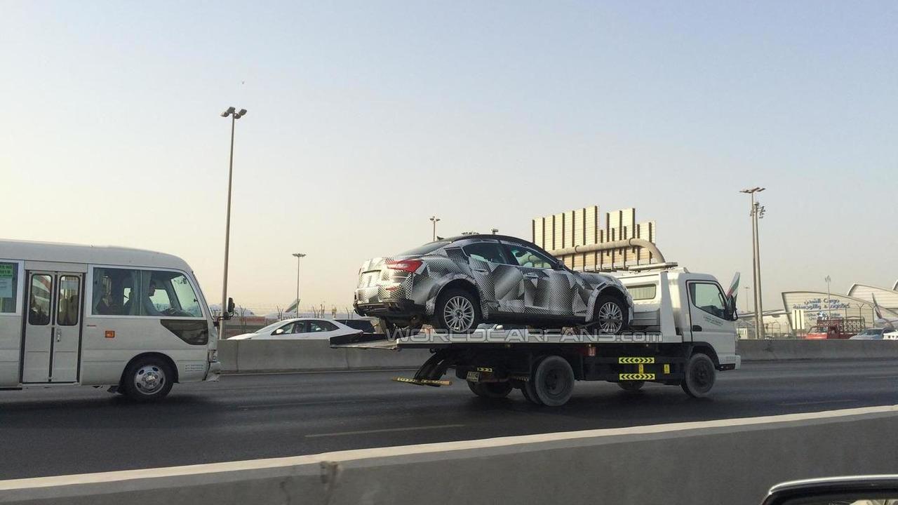 Maserati Levante test mule spy photo