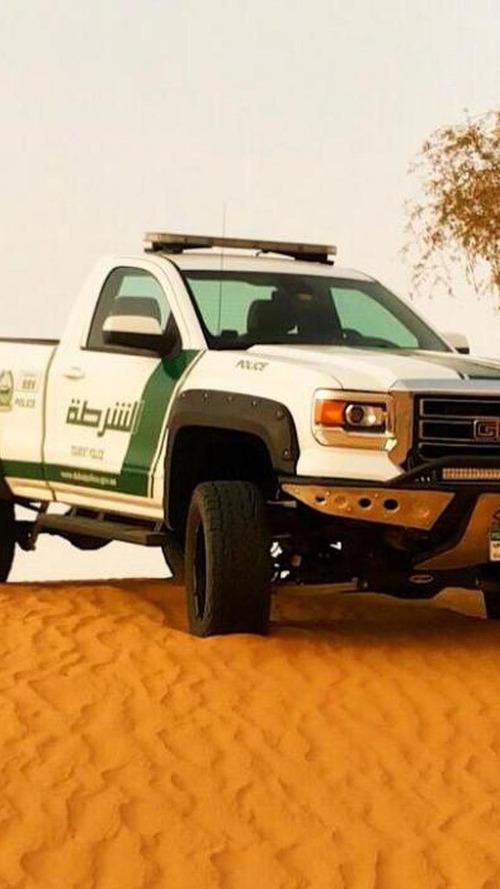 Dubai police adds 2015 GMC Sierra to ever-growing fleet