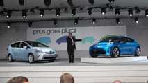 Toyota Prius v and c Concepts live in Detroit 10.01.2011