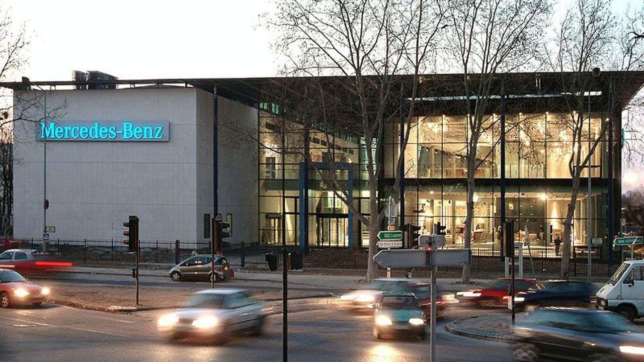 Mercedes-Benz Center in Paris