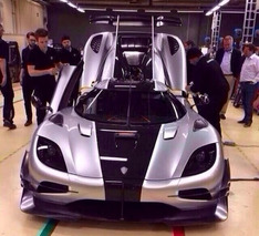 Koenigsegg One:1 Hits the Web in First Live Photos