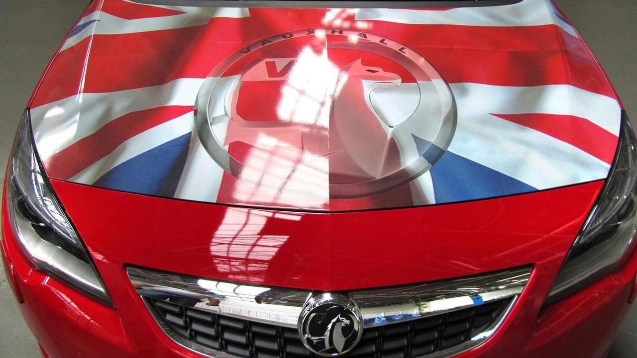 Vauxhall Astra with British union jack 17.5.2012