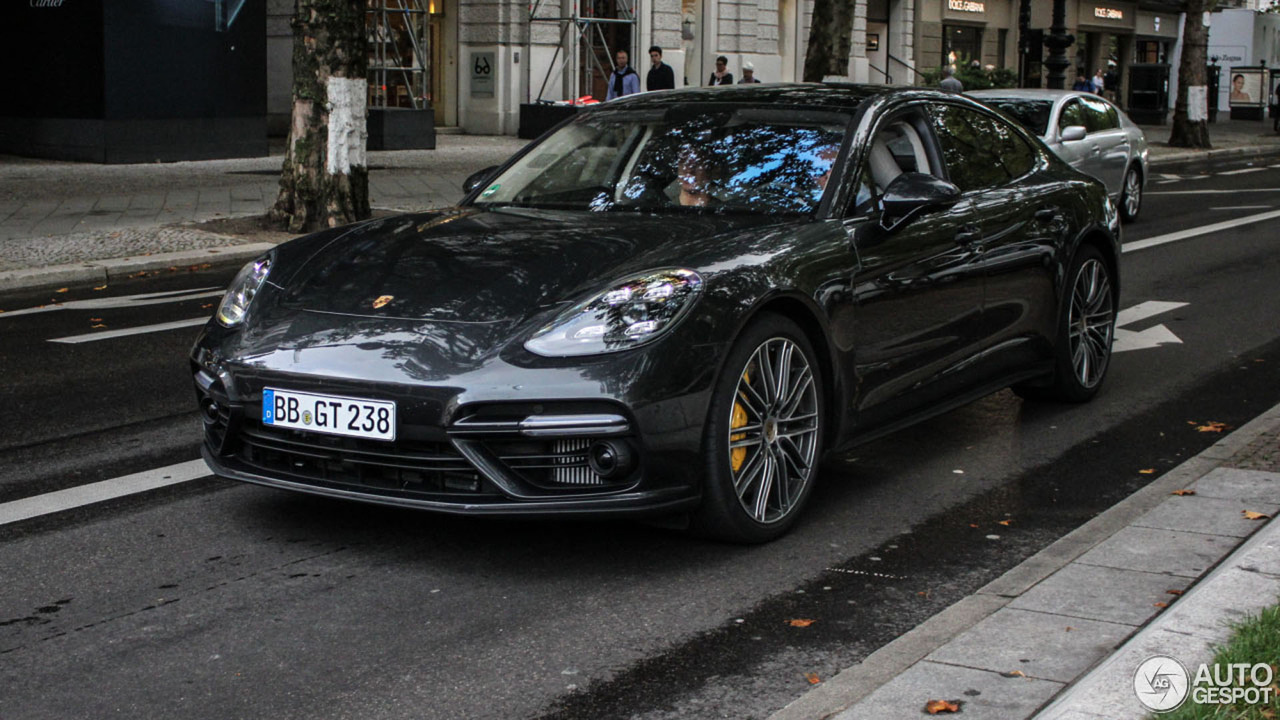 2017 porsche panamera turbo looks dynamic on the street. Black Bedroom Furniture Sets. Home Design Ideas