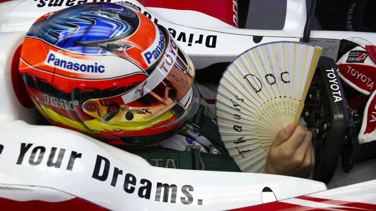 Timo Glock finds a way to thank his Doc