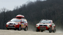 Mitsubishi Outlander Supports Dakar 2008