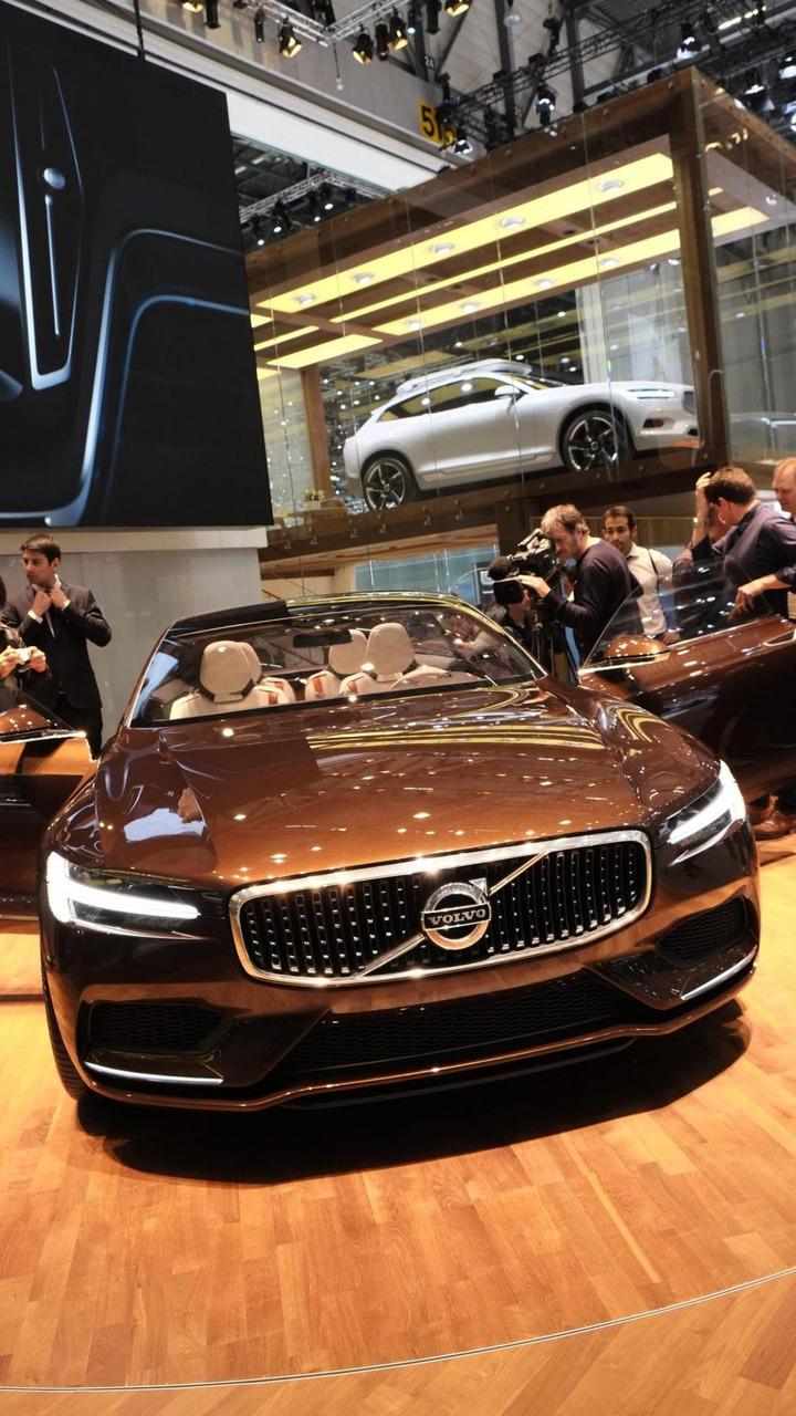 Volvo Concept Estate live in Geneva