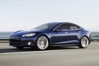 Electric Cars Will Rule the Road by 2022, Say Experts
