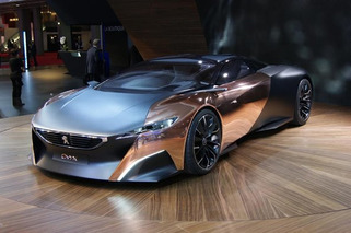Peugeot Onyx Hybrid Supercar Shines in Paris [w/Video]