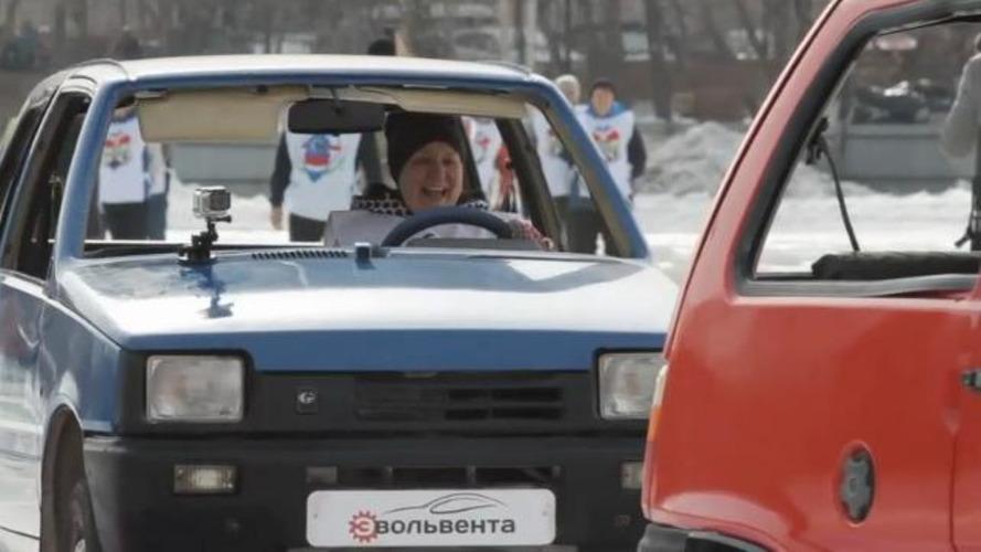 VIDÉO - Le car curling fait un carton en Russie !