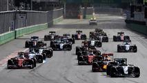 Nico Rosberg, Mercedes AMG F1 W07 Hybrid, leads Daniel Ricciardo, Red Bull Racing RB12