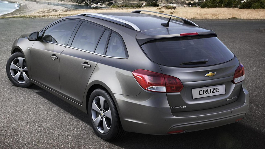 Chevy Cruze Station Wagon - first video also previews facelifted sedan