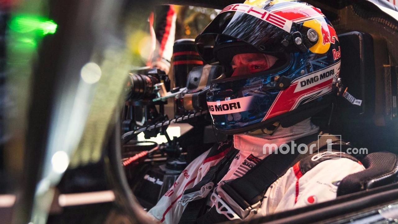Mark Webber with the Porsche 919 Hybrid LMP1 in London