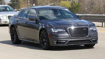 2016 Chrysler 300 SRT spy photo