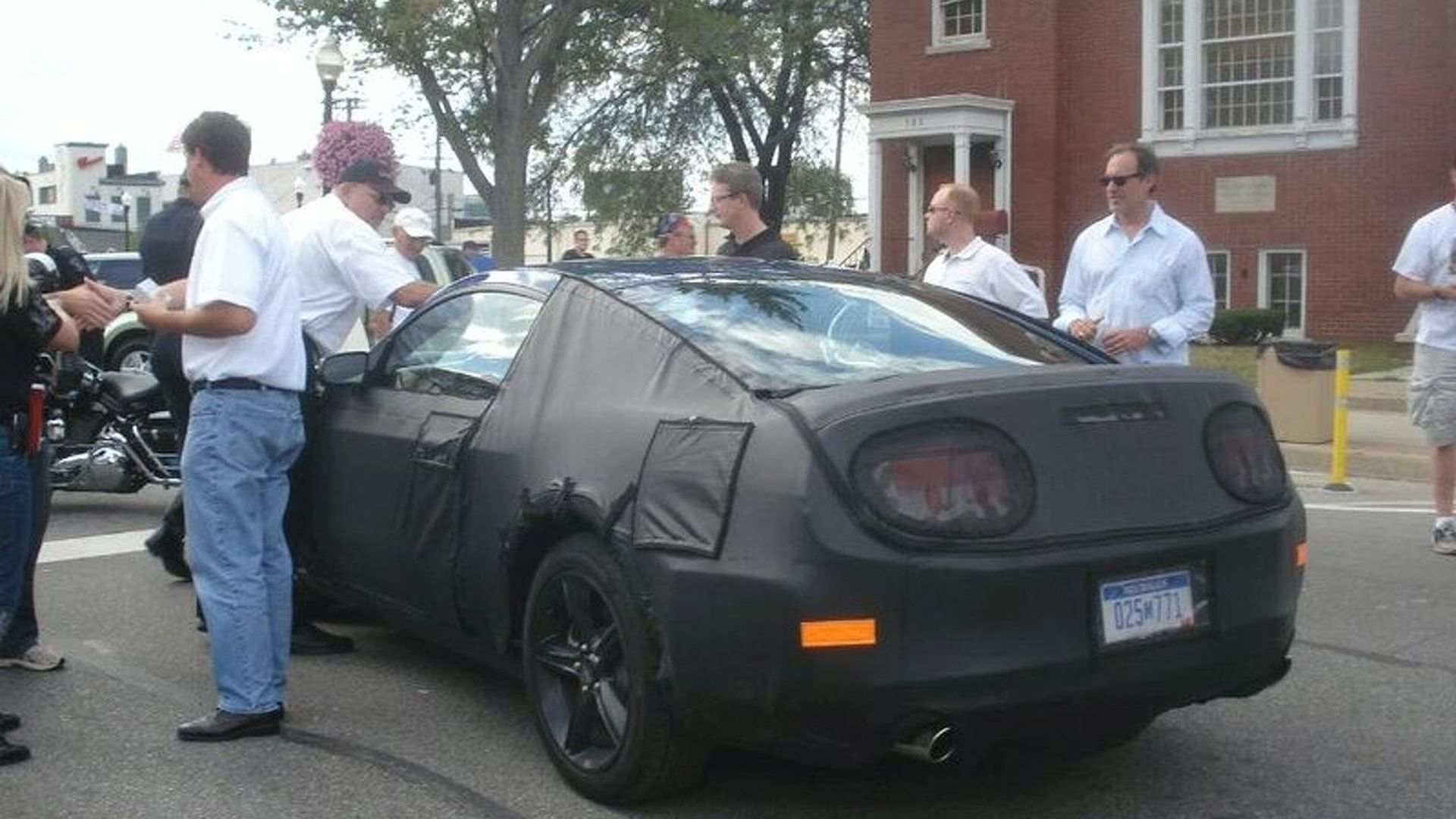 2010 Ford Mustang Spied at Street Fair