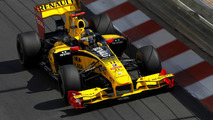 Manager hints Kubica happy at Renault