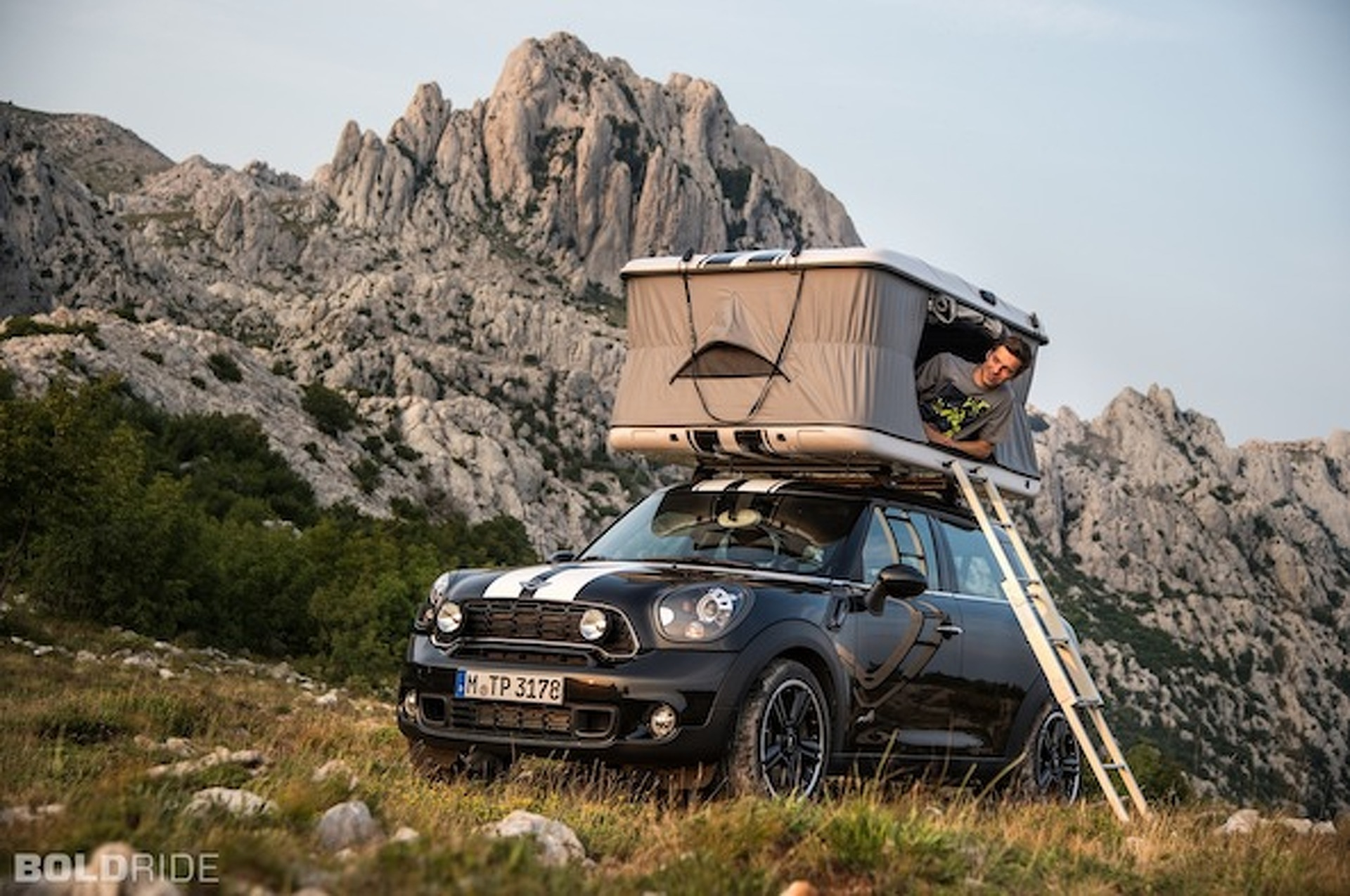 Mini Unloads a Trio of Pint-Sized Campers