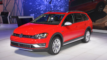 2017 VW Golf Alltrack arrives as production model in New York