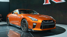 2017 Nissan GT-R races into New York with 565 hp
