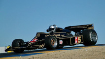 Fernandes to hand over Lotus team boss role