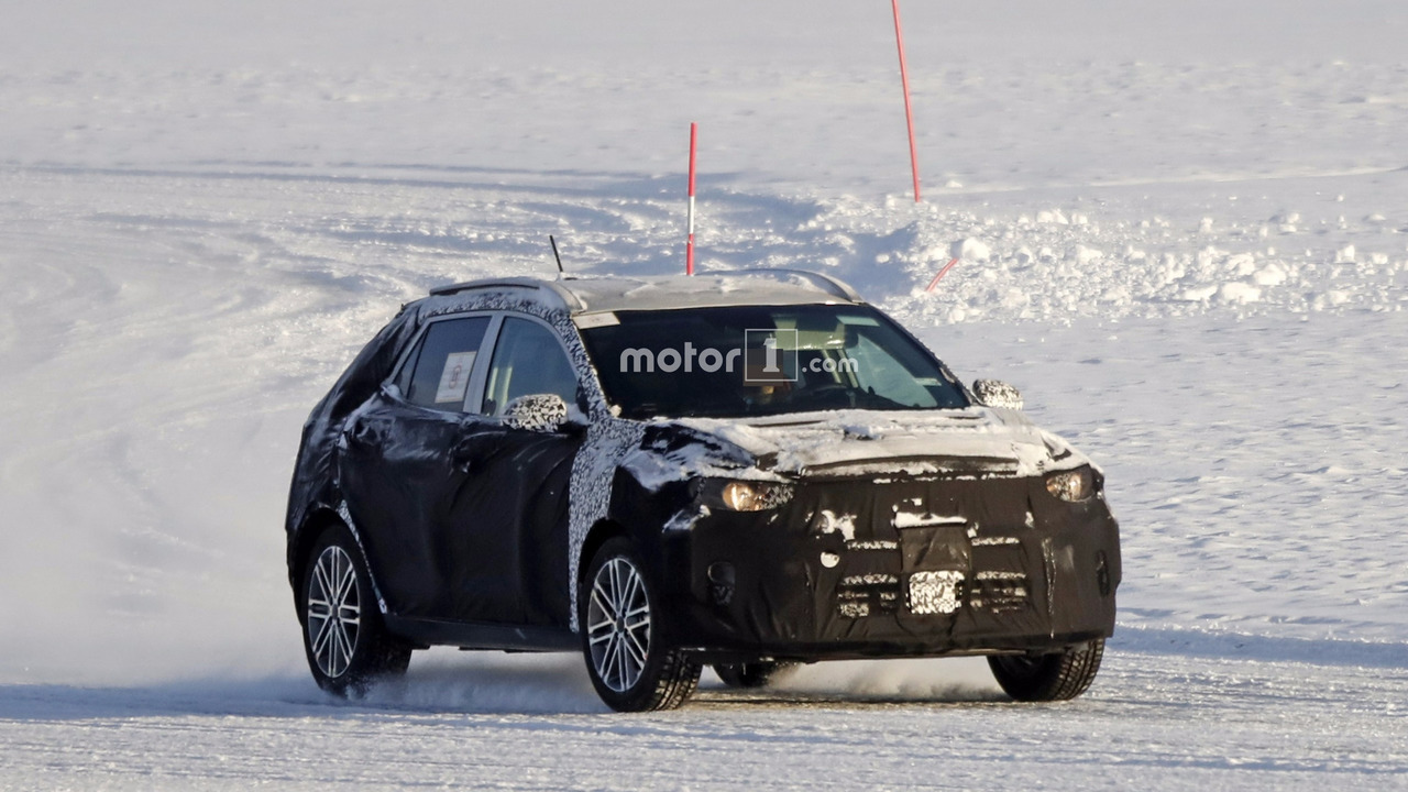 2017 - [Kia] Stonic 2018-kia-stonic-spy-photo