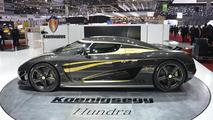 Koenigsegg Agera S Hundra supercar debuts in Geneva