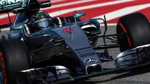 Mercedes dominates, McLaren-Honda dead last