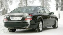 Mercedes S 400 Hybrid Spy Photos