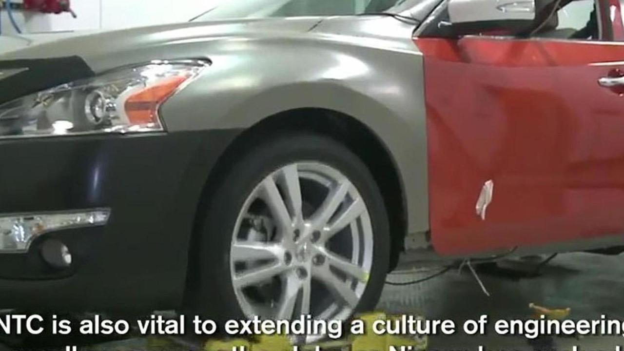 2013 Nissan Altima promo video screen shot 28.2.2012