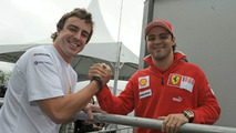 Alonso spends first day with Ferrari