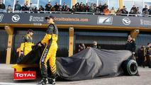 Renault R30 launch, Robert Kubica (POL), Vitaly Petrov (RUS), Renault F1 Team, Valencia, Spain, 31.01.2010