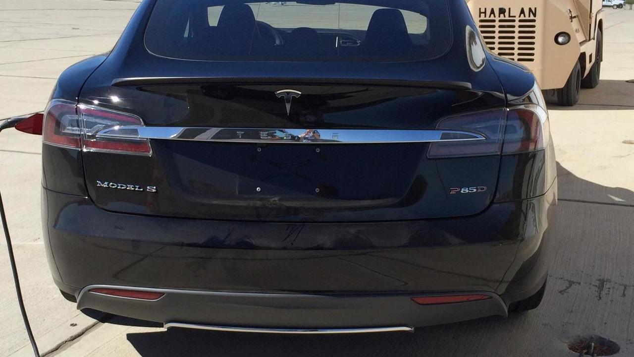 Tesla Model S P85D spy photo / TeslaMotorsClub.com