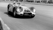 Stirling Moss winning in a Lister-Jaguar 18.9.2013
