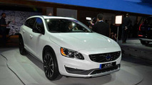 Volvo V60 Cross Country live in Los Angeles