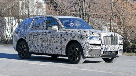 Rolls-Royce Cullinan Spy Photos