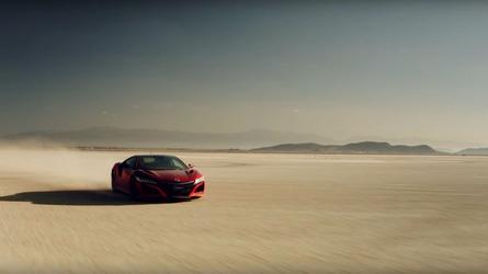 Acura NSX draws Nazca Desert geoglyph