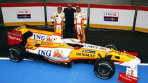 New Renault still yet to pass FIA crash tests