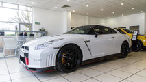 Nissan delivers the first GT-R Nismo in the U.K. [video]