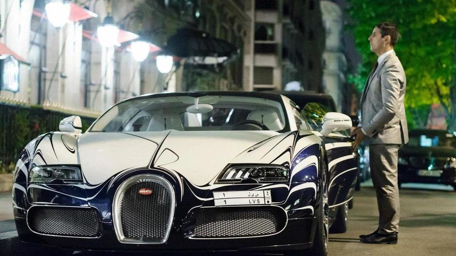 Bugatti Veyron L'Or Blanc on the streets of Paris [videos]